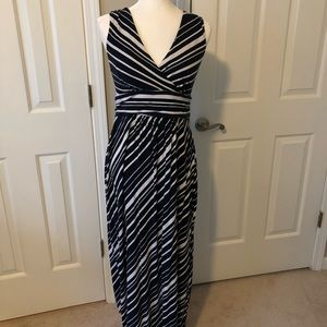 ANN TAYLOR navy and white striped maxi